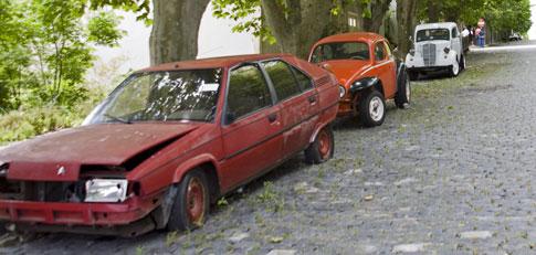 Run-down cars in Colonia del Sacramento
