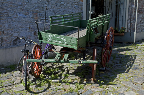 Decorative wagon next to a cafe